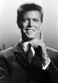 """""""The greatest thing you'll ever learn is just to love and be loved in return."""" ― ᴅᴀᴠɪᴅ ʙᴏᴡɪᴇ ღ David Robert Jones ❥ January 1947 ― 10 January ★ Glam Rock, David Bowie Born, Aladdin Sane, Bowie Starman, The Thin White Duke, Major Tom, Soundtrack To My Life, Ziggy Stardust, David Jones"""