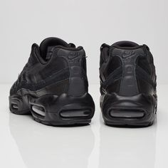 designer fashion 18bad 25fd2 Nike - Sneakersnstuff   sneakers   streetwear online since 1999. Air  Jordans. Air Max 95 Essential