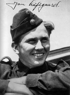 Jan Løfsgaard 332 squadron. Shot down by FW 190s in 1943. Most likely shot while attempting escape.