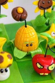Celebrate with Cake! Zombie Birthday Parties, Zombie Party, 4th Birthday, Birthday Cakes, Zombies Vs, Plantas Versus Zombies, Plant Zombie, Biscuit, Kawaii Diy