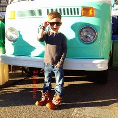Alonso Mateo's style! so cute