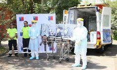 En los exteriores del recinto SAMU presentó la cabina especial para el traslado de pacientes.
