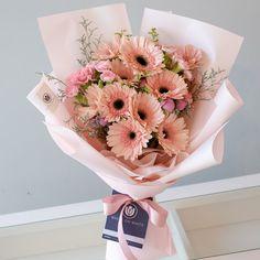 flowers Gerbera Daisy Bouquet, Purple Flower Bouquet, Beautiful Bouquet Of Flowers, Flowers For You, Romantic Flowers, Floral Bouquets, Beautiful Flowers, Vintage Flowers, Daisies Bouquet