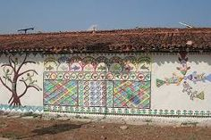 Colourful wall paintings in a Sarguja village. Photo:Ashwini Bhatnagar