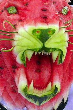 STRANGE FOOD FUN - AMAZING TIGER FACE CARVED FROM A WATERMELON!
