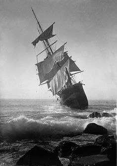 The wreck of the full-rigged steel ship Glenesslin, October 1, 1913, on the Oregon Coast.