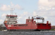 24 april 2016 op het Noordzeekanaal t.h.v. Snowplanet   onderweg naar zee de JAGUAR    http://koopvaardij.blogspot.nl/2016/04/bestemming-ferrol.html