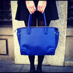 wearing the perfect in blue Electric Blue, Fashion Bloggers, Girly, Street Style, Tote Bag, Detail, How To Wear, Bags, Accessories
