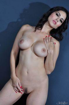 Indian-Porn-Star-Sunny-Leone-Nude-Pics-2.jpg (1275×1920)