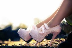 Women& Pink Strass Wedding Heels Stiletto Pumps for Bride for Wedding, Annivers . Rosa High Heels, Pink High Heels, Pink Pumps, High Shoes, White Heels, Pretty Shoes, Beautiful Shoes, Cute Shoes, Me Too Shoes