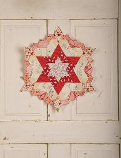 I had linked this originally via Flickr - but have now found the source. English paper pieced star progress