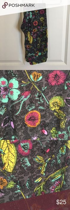 Lularoe OS leggings Beautiful floral print OS buttery soft leggings. Grey background fuschia and turquoise floral. Never worn. LuLaRoe Pants Leggings