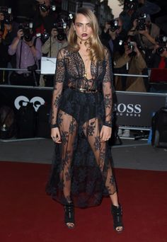 That lace, that stare, that stance… THIS is how Cara Delevingne does #Fearless on the red carpet.