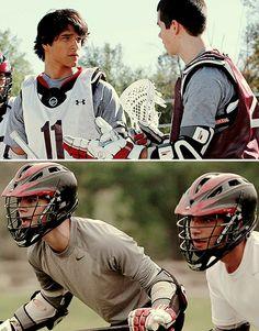 Lacrosse Teen wolf Stiles and Scott Teen Wolf 4, Teen Wolf Dylan, Teen Wolf Cast, Dylan O'brien, Teen Wolf Lacrosse, Scott And Stiles, Cody Christian, Teen Tv, Scott Mccall