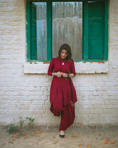 Best Trendy Outfits Part 21 Indian Attire, Indian Ethnic Wear, Pakistani Outfits, Indian Outfits, Short Frocks, Kurta Designs, Indian Designer Wear, Simple Dresses, Beautiful Dresses