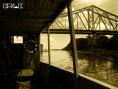 """""""...escravo fugido, um louco varrido, vou fazer meu festival mambembe, cigano, debaixo da Ponte..."""""""
