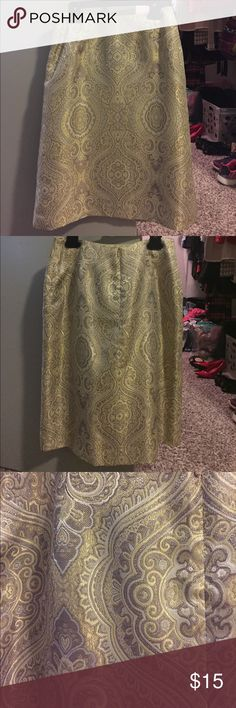 Talbots Skirt Talbots Knee length skirt. A-line style. Worn a few times, like new condition. No flaws. Talbots Skirts A-Line or Full