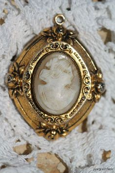 Vintage Gold Tone Hand Carved Shell Cameo Locket Pendant