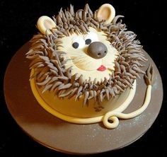 My daughter wants a LION cake for her bday, getting inspired! Fancy Cakes, Cute Cakes, Bolo Garfield, Bolo Sporting, Lion Cakes, Safari Cakes, Animal Cakes, Character Cakes, Occasion Cakes