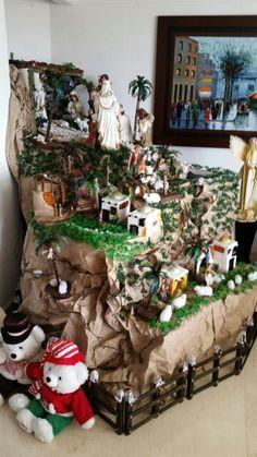 Christmas Village Sets, Christmas Nativity Scene, Christmas Home, Christmas Tree Decorations, Xmas, Holiday Decor, Ideas Para Fiestas, Jingle Bells, Portal