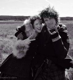 awwwww <3 #outlander #sam #heughan #caitriona #balfe