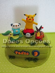 Doces Opções: Bolo aniversário Pokémon com o Pikachu, Oshawott, ...
