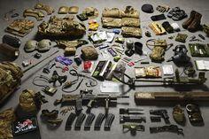 3412962052-thom-atkinson-fez-serie-fotografica-sobre-equipamento-de-soldados-ingleses-do-seculo-xi-ate-hoje-408-718x479.jpg (718×479)