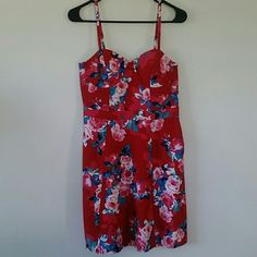 Gorgeous rose print dress Brand new with tags. Jessica simpson brand. Beautiful bustier type dress with adjustable straps. Side zipper, back slightly stretchable. 97% cotton and 3% elastane. Jessica Simpson Dresses Midi