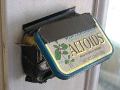 How to customize a remote control doorbell with an Altoids tin so a dog can ring it. We have had great success in bell-training our two cockerdoodles to let us . Matchbox Crafts, Ring Doorbell, Tin Art, Altoids Tins, Hat Boxes, Dog Accessories, Fashion Accessories, Diy Box, Diy Stuffed Animals