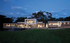 Spreadinggg.....Royston House by Vibe Design group