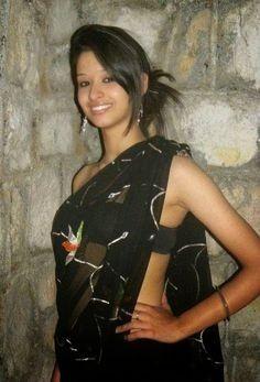 Desi Bhabi, Beautiful Women Videos, Black Saree, Indian Beauty Saree, Indian Girls, Bun Hairstyles, Party Wear, Actresses, Hair Styles