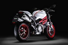 #2015DucatiMonsterS2R: Great bike for speed lovers..