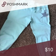 Aerie Large Teal Capri Sweatpants American Eagle Worn once. Smoke-free home. 🚭 same day shipping! 📦 see all my other listings & positive feedback! 🎀 Have a great day! ❤️ aerie Pants Capris