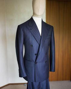 Wool/Cashmere stripe double breasted suit ㆍ ㆍ #비앤테일러 #bntailor #bespoke…