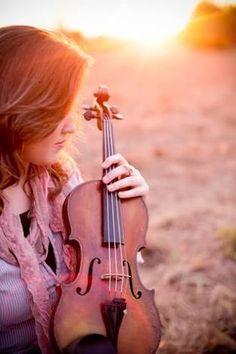 Resultado de imagem para girl with violin photography