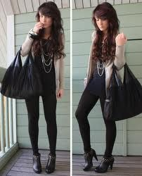 Cute, edgy outfit. Love it (but not the huge bag)