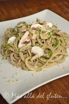 Más allá del gluten...: Espaguetis de Zucchini con Salsa Cremosa de Champiñones RAW (Receta SCD, GFCFSF, Vegana, RAW)