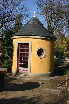 Paris garden shed