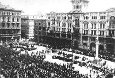 Postrojitev enot  narodno osvobodilne vojske Jugoslavije, ki so osvobodile Trst 2. maja 1945
