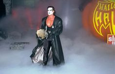 mexican wrestlers wcw and wwe | WCW Champion Sting at Halloween HavocSting makes his entrance at WCW ...