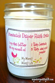 My Merry Messy Life: Homemade Diaper Rash Cream - Non-Toxic and Natural. Make without the zinc oxide to keep it cloth diaper friendly. Baby Kind, Baby Love, Limpieza Natural, Do It Yourself Baby, Rash Cream, Shower Bebe, Baby Shower, Diaper Rash, Natural Baby
