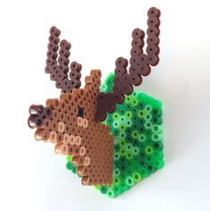 Me encanta, tutorial con base hexágono y cuadrada // 3-D Fuse Bead Deer Ornament | CBC Parents