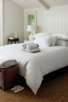 Five Tips to Creating the Perfect Guest Room Five ways to create the perfect guest bedroom. - Guest room-simple-all whiteI could see doing this look.maybe add a brown throw pillow, keeping it simple. Shabby Chic Bedrooms, Guest Bedrooms, Guest Room Decor, Bedroom Decor, Bedroom Ideas, Bedroom Furniture, Furniture Ideas, Smart Furniture, Design Bedroom