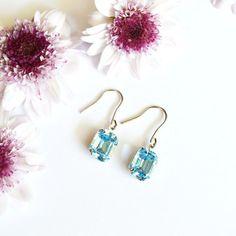 Aquamarine  #earrings #brincos #semijoias #acessories #acessorios #jewel #fashion #jewelry #handmade #silverplated #finejewelry #flowers #blue #slowfashion #delicate #stone #swarovski #jewelryhandmade #aquamarine