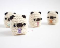 Amigurumi do alfabeto do Pug - Crochet customizável do Pug do luxuoso Crochet Disney, Crochet Kawaii, Cute Crochet, Crochet Crafts, Yarn Crafts, Crochet Projects, Crochet Animal Patterns, Stuffed Animal Patterns, Crochet Patterns Amigurumi