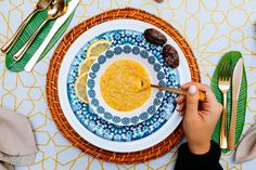 Lentil soup never looked so good thanks to our new paper serving plates and bowls! #daysofeid