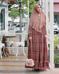 Hijab Outfit, Hijab Dress, I Dress, Abaya Fashion, Muslim Fashion, Women's Fashion, Abaya Mode, Muslim Dress, Hijab Stile