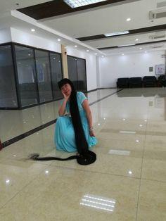 Cheng Xiuzhu has 2.6 meters long hair