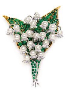Pearl, Emerald, Diamond lilly of the valley brooch Perle, Smaragd, Diamant-Maiglöckchen-Brosche High Jewelry, I Love Jewelry, Pearl Jewelry, Antique Jewelry, Jewelery, Vintage Jewelry, Jewelry Accessories, Cross Jewelry, Bijoux Art Nouveau