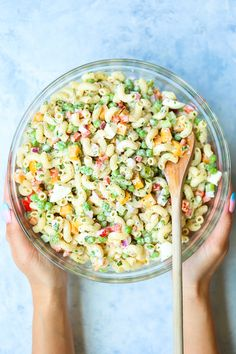 Best Ever Classic Macaroni Salad – The best + easiest old-fashioned macaroni salad to bring to all the BBQs/potlucks! Everyone will be dying for the recipe! Summer Salad Recipes, Pasta Salad Recipes, Summer Salads, Best Ever Pasta Salad, Fruit Recipes, Easy Macaroni Salad, Classic Macaroni Salad, Macaroni Pasta, Elbow Macaroni Recipes